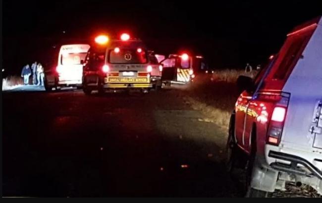 В ЮАР расстреляли микроавтобус с таксистами, 11 человек погибли