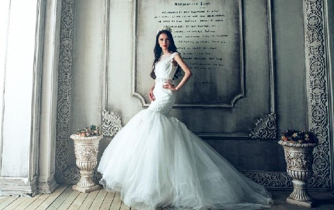 999ac17582aea5 Для наречених по всьому світу: як живе українське село, яке заробляє на  весільній моді