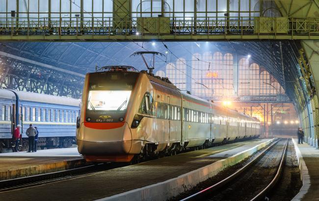 Фото: швидкісний електропоїзд ЭКр1 (facebook.com)