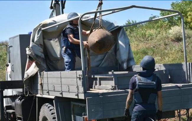 Жахливий сюрприз: у Дніпропетровській області знайшли бомбу вагою в півтонни (відео)