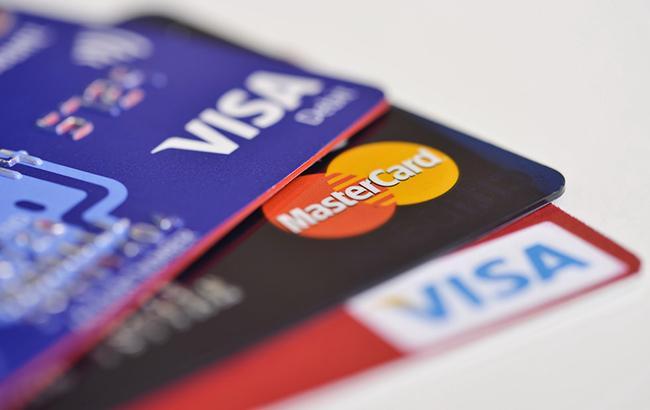 В оккупированном Крыму прекратили обслуживание карт Visa и MasterCard