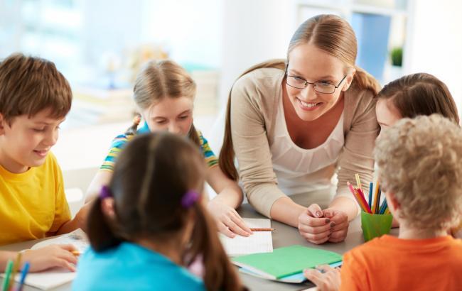 В Україні затвердили перший профстандарт для вчителів початкових класів