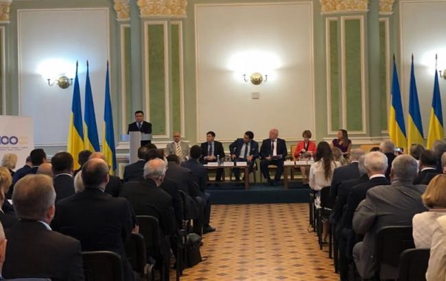 Порошенко анонсировал выход Украины из контракта одружбе сРоссией