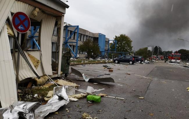 У Баварії після вибуху загорівся НПЗ, є постраждалі