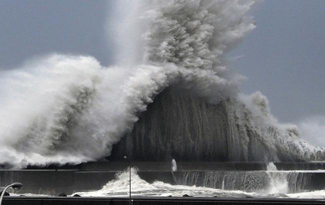 В Японии из-за тайфуна отменили более 600 авиарейсов