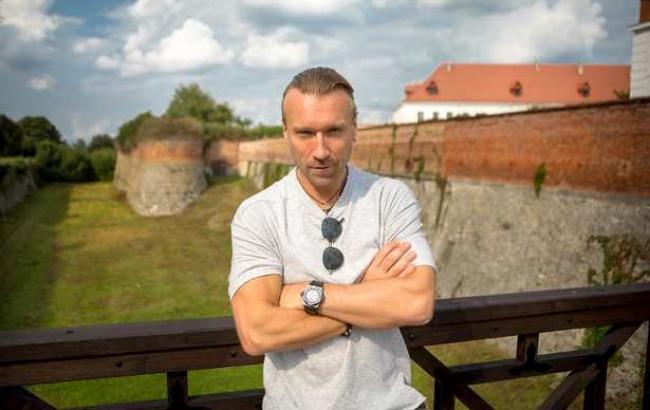 """""""Благородный лорд"""": Олег Винник похвастался снимками из Дубенского замка"""