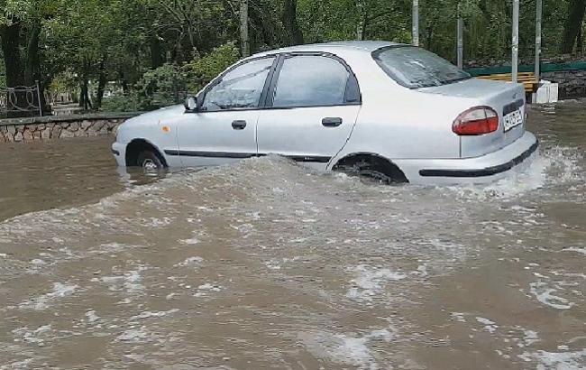 Фото: обличчі Бердянська затопило після злив (pro.berdyansk.biz)