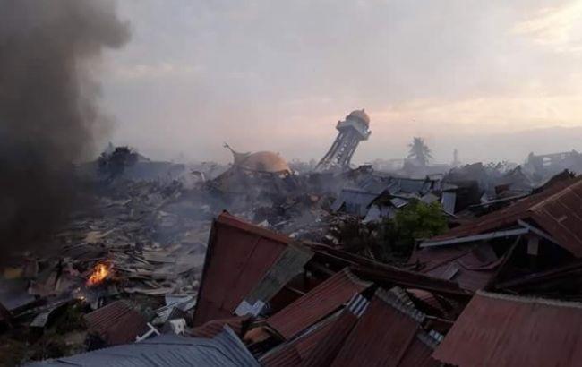 Цунами в Индонезии: в сети появились кадры последствий катастрофы