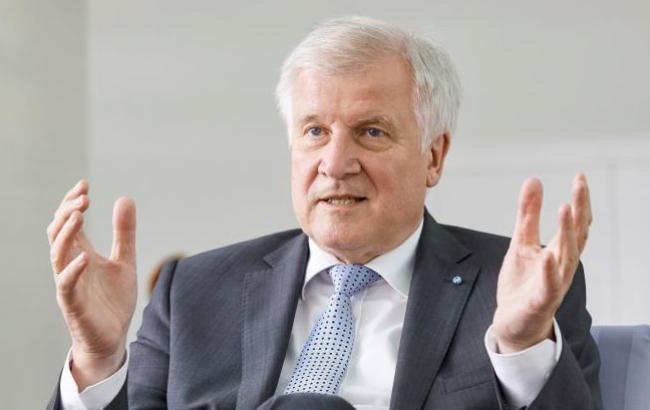 Баварський союзник Меркель залишить посаду лідера партії, - Die Zeit