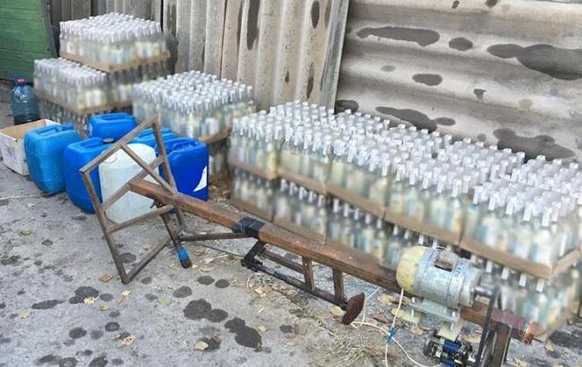У Дніпропетровській області вилучили фальсифікований алкоголь на понад 1 млн гривень