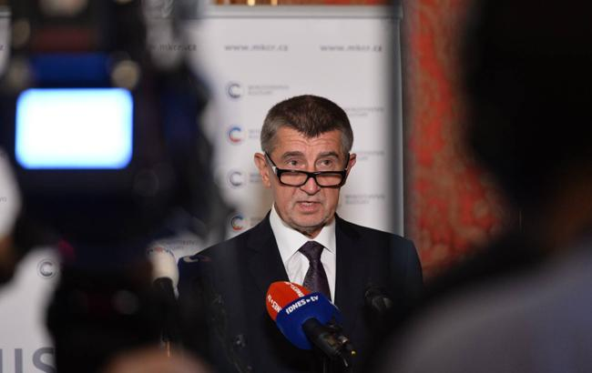 Сенат Чехії наполягає на відставці Бабиша