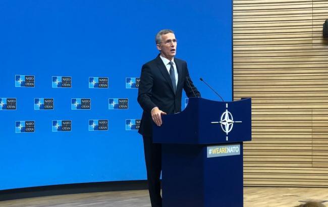 Столтенберг призвал РФ освободить украинских моряков и корабли
