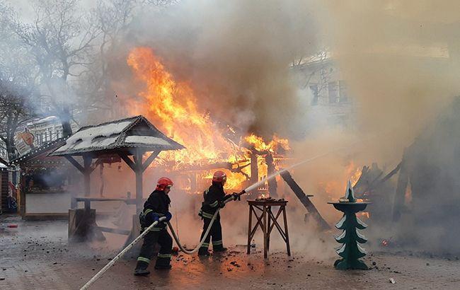 У Львові сталася пожежа на різдвяному ярмарку
