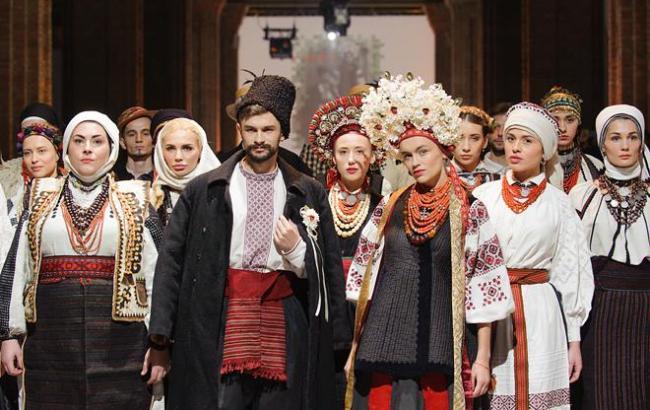 """Показ """"Витоки"""" став найяскравішою на Ukrainian Fashion Week"""