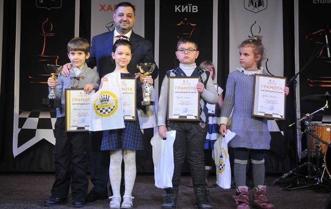 Заради дітей: Грановський організував шаховий турнір у Харкові