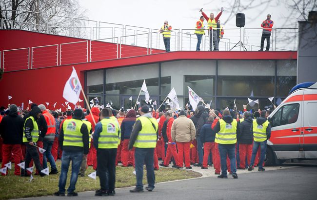 В Угорщині на заводі Audi майже 10 тис. співробітників влаштували страйк