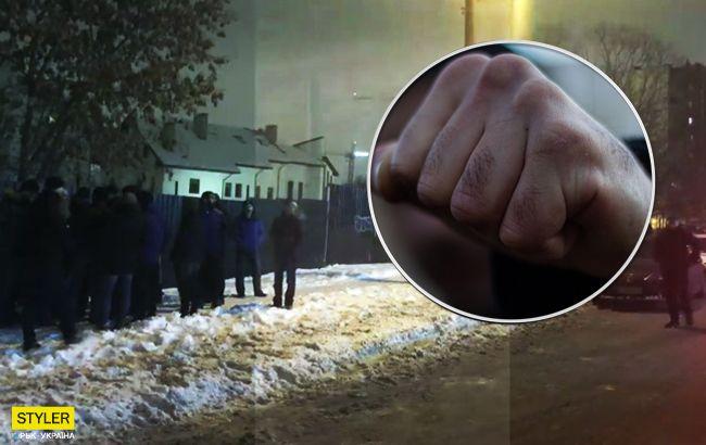 """Натовп підлітків жорстоко побив чоловіка: кияни зловили """"кадировців"""" (відео)"""