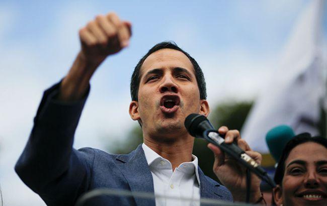 Лидер оппозиции Гуайдо вернулся в Венесуэлу