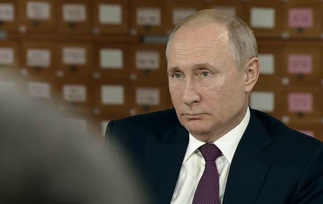 Хворі люди: Путін довів до сліз журналістку в Криму