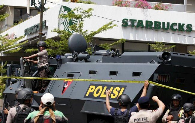 Фото: спецоперация по нейтрализации террористов в Джакарте