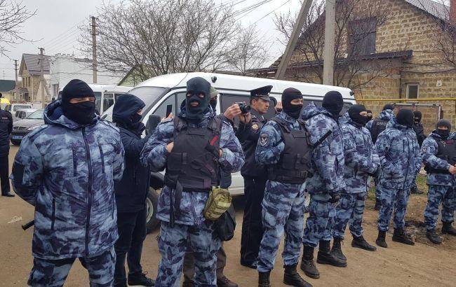 У Криму проводять масові обшуки у кримських татар