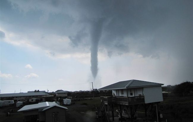 В США число жертв торнадо возросло до 8