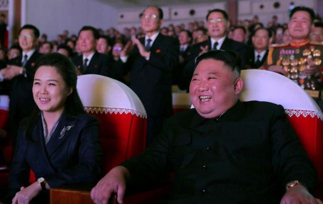 Дружина Кім Чен Ина вперше за рік з'явилася на публіці