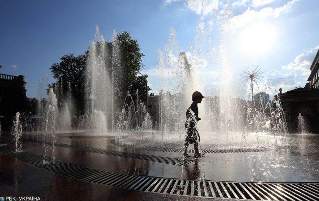 Прожарит и зальет: украинцам рассказали о погоде на выходные