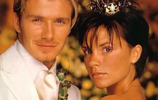 Праздник любви: Дэвид и Виктория Бекхэм трогательно поздравили друг друга с 20-й годовщиной свадьбы