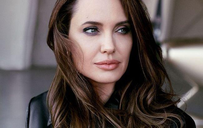 Світу потрібно більше злих жінок: Анджеліна Джолі знялася для глянцю і дала відверте інтерв'ю