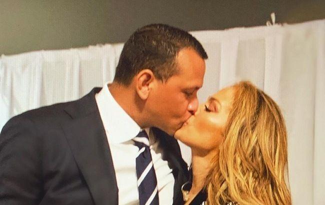 Це любов! Дженніфер Лопес расторгала мережу романтичним фото з чоловіком