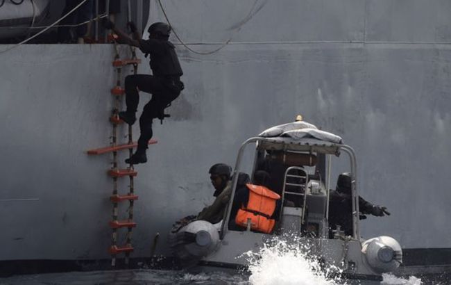 Німеччина підтвердила дані про українця на захопленому біля Камеруну судні