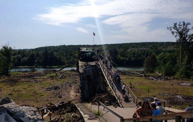 Боевики имитируют разведение сил в Станице Луганской