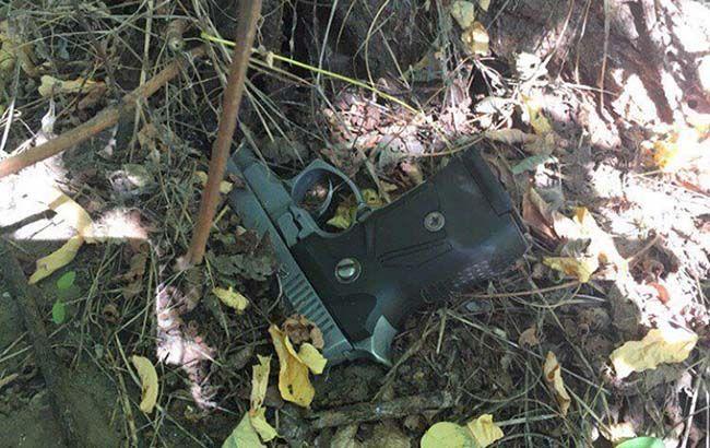В Днепре грабитель ранил из пистолета полицейского