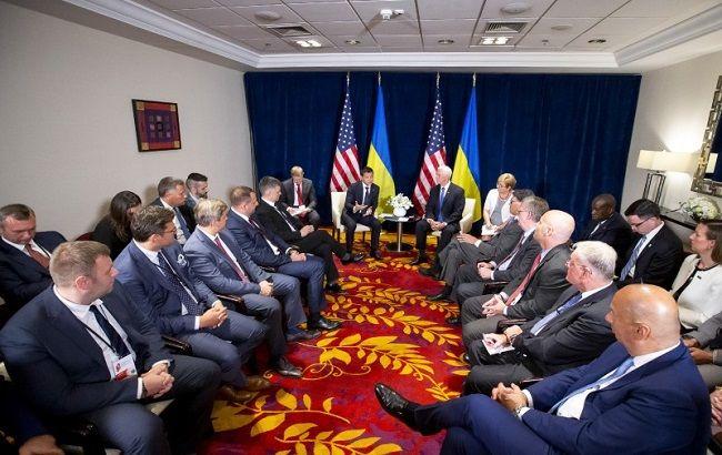 Зеленський і Пенс обговорили майбутню зустріч з Трампом