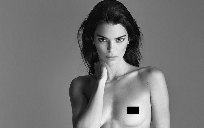 Без макіяжу і фільтрів: Кендалл Дженнер спокушає оголеними фото з ліжка