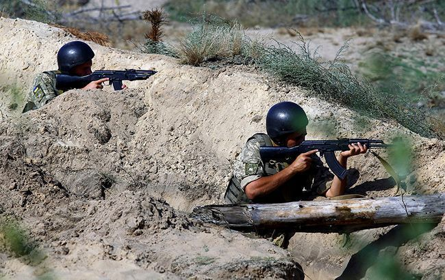 Бойовики у суботу 14 разів порушували тишу на Донбасі