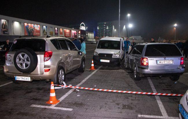 У поліції повідомили деталі ДТП на парковці столичного ТРЦ