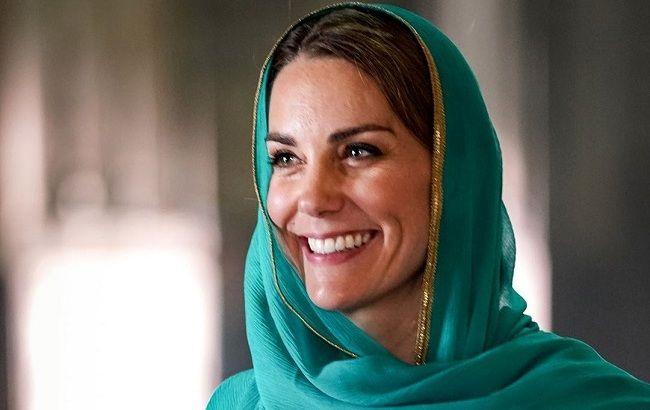 Казкова принцеса: Кейт Міддлтон блищить в розкішному бірюзовому вбранні в Лахорі