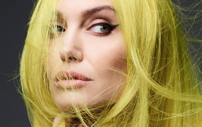 Гола і в фаті: Анджеліна Джолі знялася оголеною для відомого глянцю