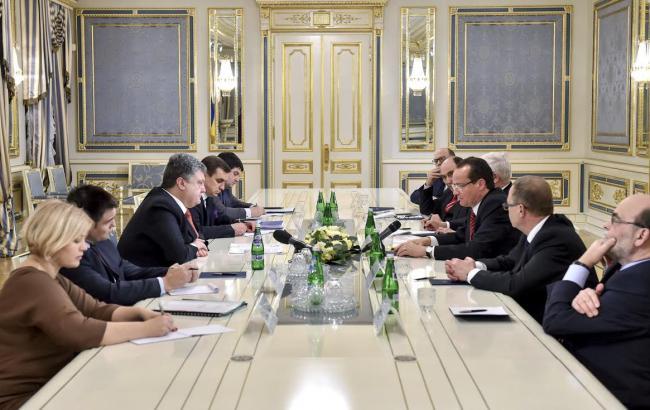 Порошенко та представники Бундестагу: санкції проти Росії є дієвими