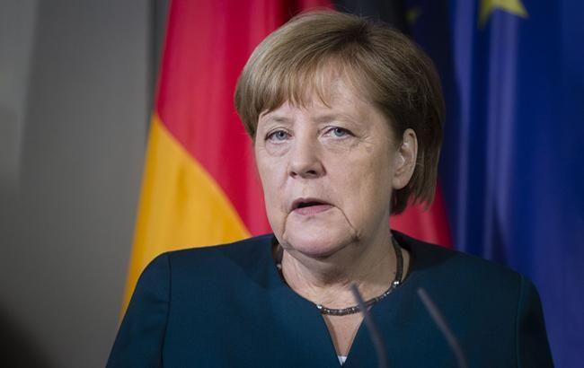 Меркель проведет отдельные встречи с Путиным и Зеленским в Париже