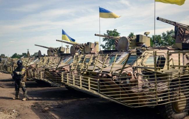 Дві третини росіян, як і раніше стежать за подіями в Україні