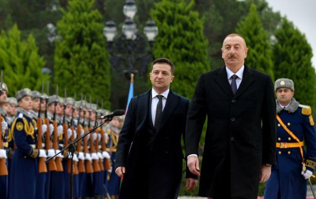 Зеленский прилетел в Баку на переговоры с президентом Азербайджана