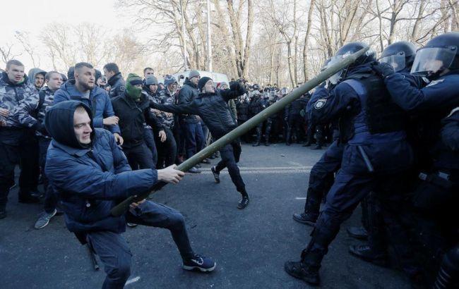 Під час зіткнень під верховною Радою постраждали 33 особи, - МВС