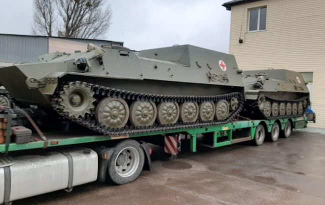 Українська армія отримала партію броньованих медичних машин