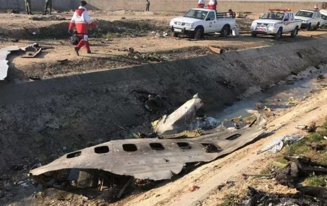Катастрофа самолета МАУ: пилоты не могли связаться с диспетчерами
