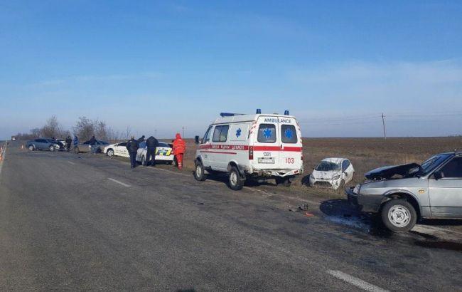 """В Запорожской области произошло массовое ДТП с участием авто полиции и """"скорой помощи"""""""