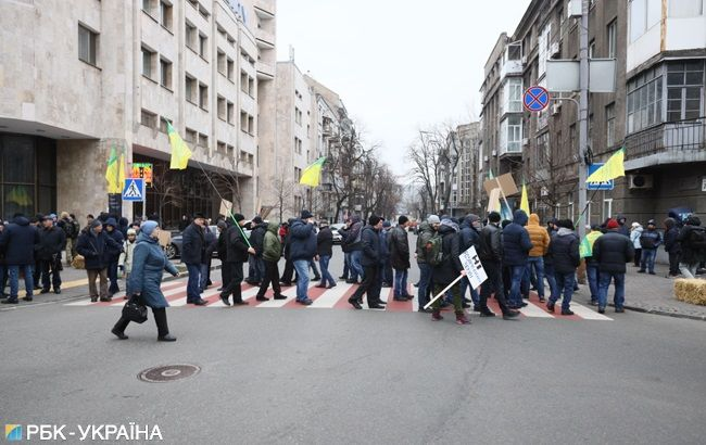 В центре Киева участники протеста против рынка земли перекрыли улицы