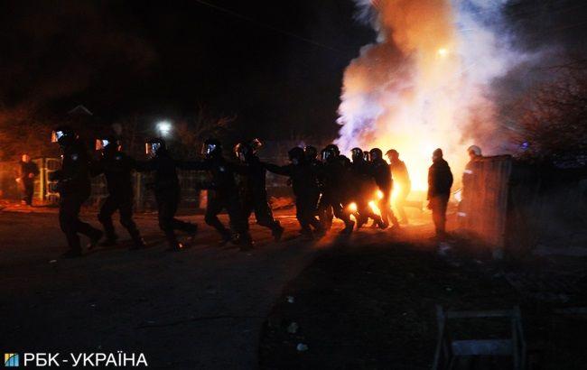 Во время столкновений в Новых Санжарах пострадали 9 полицейских